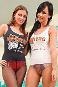 Sexy Hooters girls undress each other