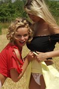 Renata Daninsky can not keep her hands off her sexy blonde girlfriend