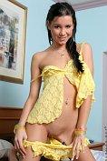 Sexy teen masturbates in yellow lingerie