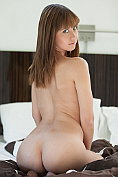 Chrissy Marie strips naked on her bed