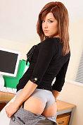 Jocelyn Kay treats us to a sexy striptease in the office