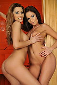Lauryn May and Cindy Hope plug each others holes