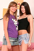 Two teen babes experiment with cunnilingus