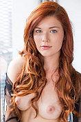 Sext redhead Mia Sollis