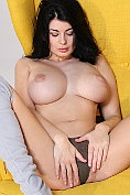 Lucy shows off her magnificent tits, her pussy and her ass
