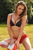 Jess Impiazzi strips for England